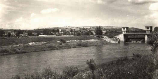 Morava pod jezem ve Spytihněvi (pohlednice)