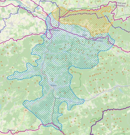 Vymezení fytochorionu Střední Pobečví. Barevně jsou odlišeny: modře podokres 80a. Vsetínská kotlina, oranžově podokres 80b. Veřovické vrchy.