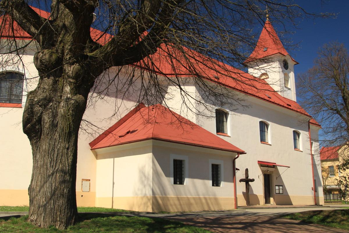 Kostel v Halenkovicích.