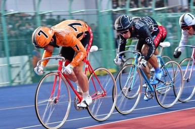 熾烈なゴール前勝負を制した鈴木竜士がヤンググランプリ2017優勝/KEIRINグランプリ2017