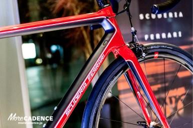 220万のロードバイク!Bianchi(ビアンキ)とフェラーリの共同開発プロジェクト「Bianchi for Scuderia Ferrari」モデルが登場