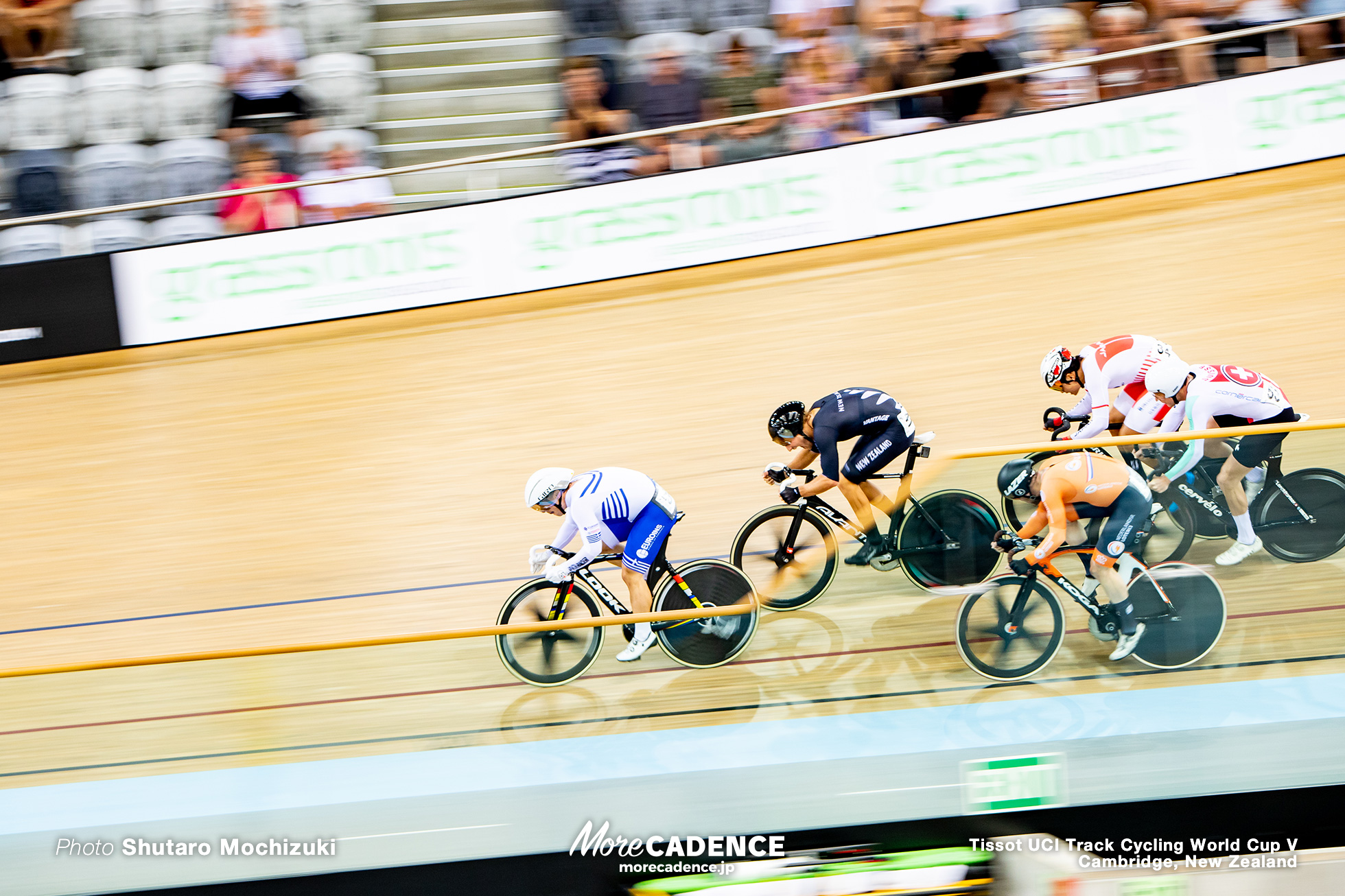 Scratch Race / Women's Omnium / Track Cycling World Cup V / Cambridge, New Zealand