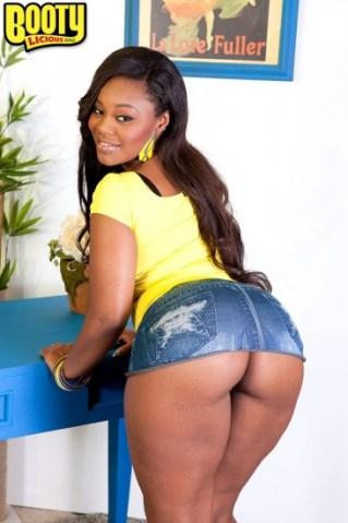 Nina Rotti Thick Booty Sexy Black