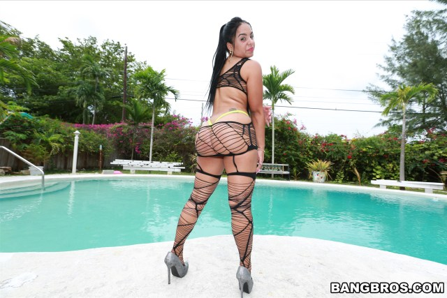 sofia-char-big-latina-in-lingerie-her-ass-get-pulverized