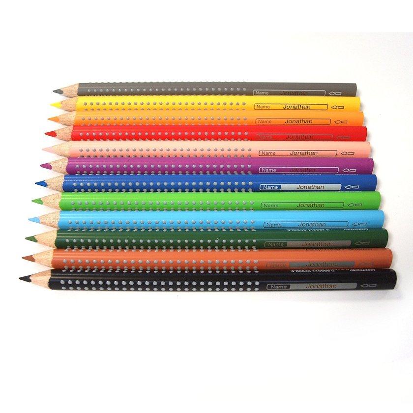 10-Must-haves-für-die-Einschulung-Buntstifte-mit-Namen-beschriftet