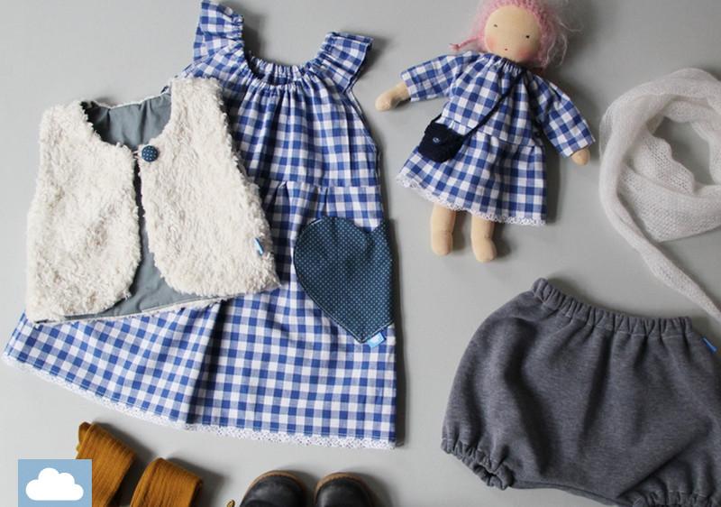 Must-haves-für-die-Einschulung-Kleid-Weste-Puppe-Hose-Tuch-Schuhe-Socken