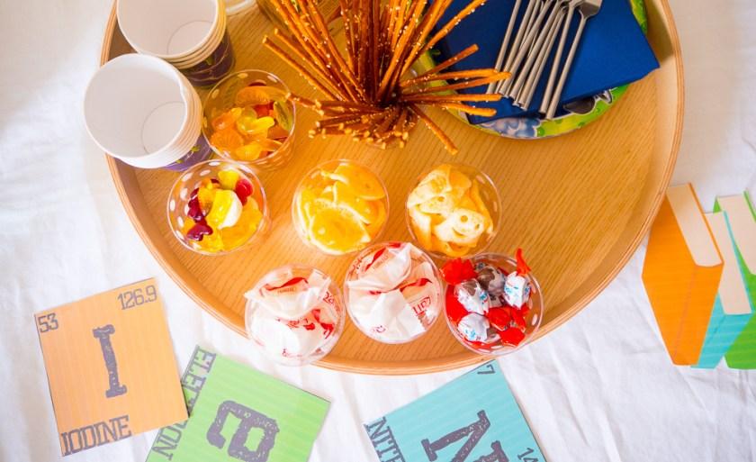 Geburtstagsparty-für-Jungs-Kinderbuffet