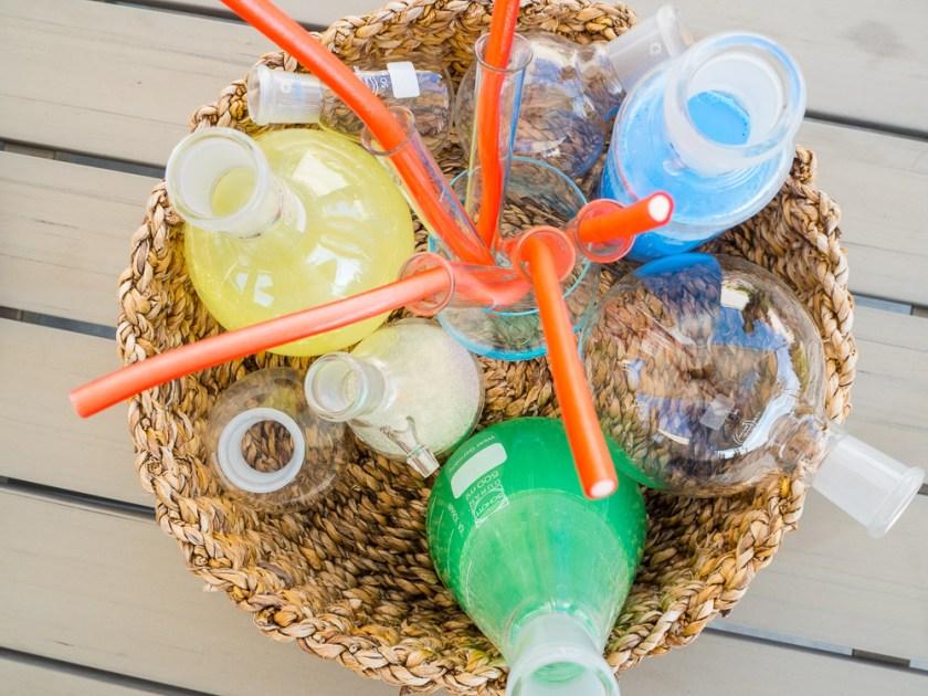 Geburtstagsparty-für-Jungs-Chemielabor-Glasgefässe