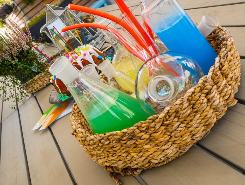 Geburtstagsparty-für-Jungs-chemische-Glasgefässe-Deko