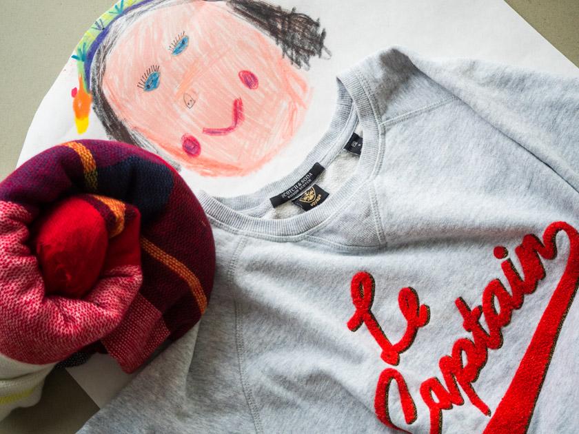Midi Rock Outfit Ideen für Mamas Sweatshirt und Schal
