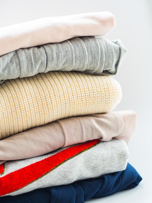 Midi Rock Outfit Ideen für Mamas Kleiderstapel