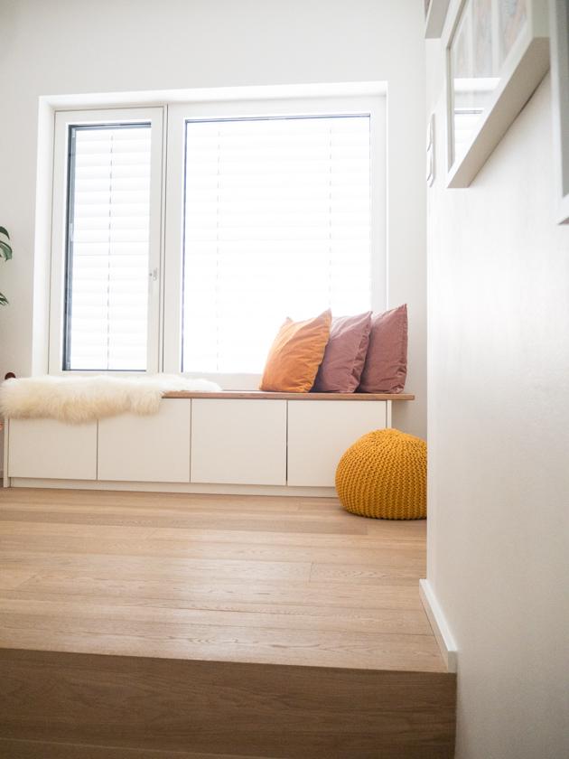 Wohnideen mit Kindern_Galerie mit Fenstersitzbank