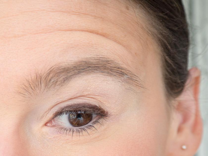 5 Minuten Mama Tages Make up_Eyeliner auftragen