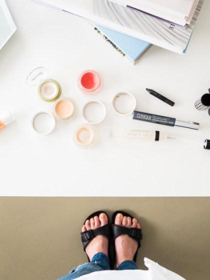 5 Minuten Mama Tages Make up_Tisch mit Make up