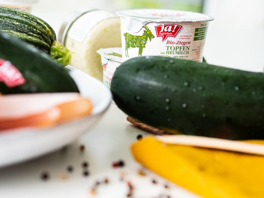 Rezept Gefüllte Zucchini Fritters_Zutaten Dip