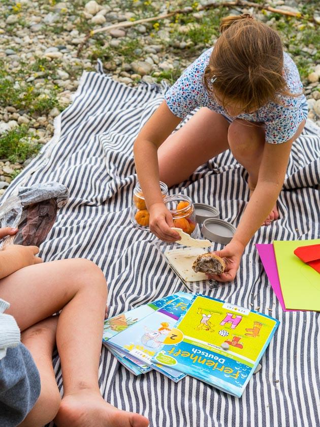 Sommerferien Bucket List_Picknick am Wasser