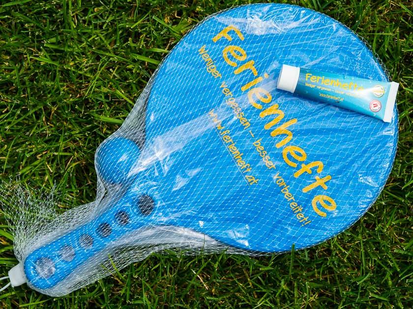 Sommerferien Bucket List_VERITAS Beachschläger Set mit Sonnencreme