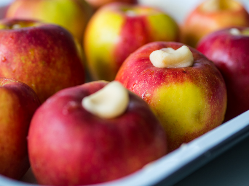 Bratapfel Rezepte_Granola Äpfel mit Marzipan