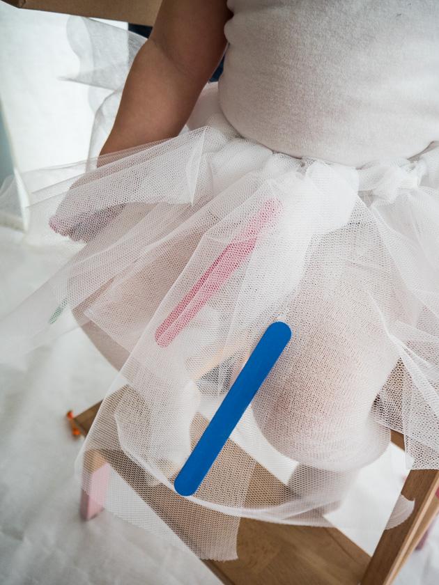 Familien-Faschings-Verkleidung_Tüllrock mit Eisstäbchen