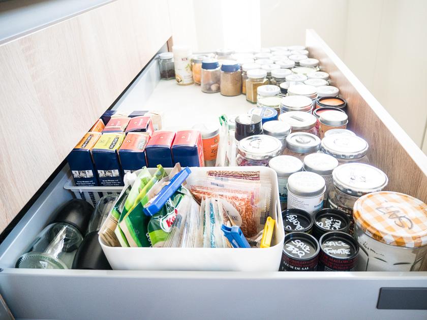 Familien-Küchen-Organisation leicht gemacht_Gewürzschrank