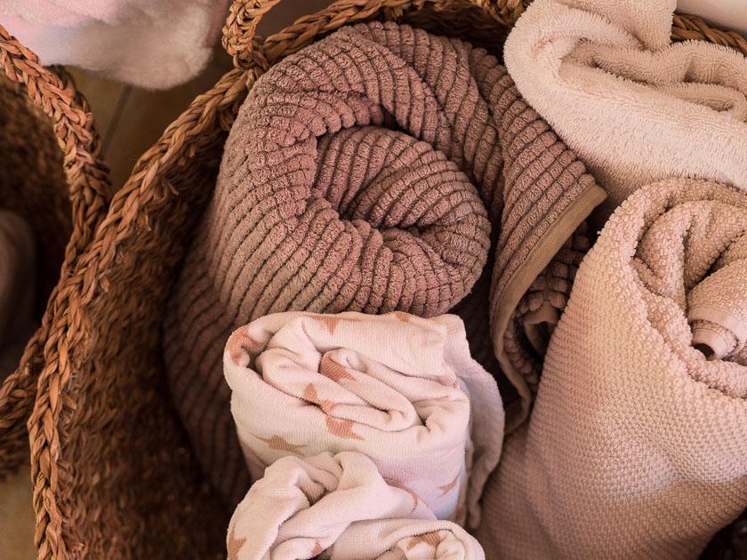 Familien Badezimmer_Handtücher im Korb