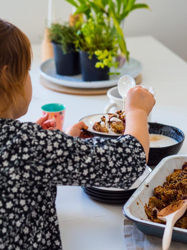Familien Meal Prep_Rezept Bread Pudding Vanillesauce