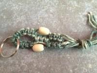portachaivi in corda grezza e perline di di legno