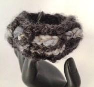 bracciale crochet lana 11