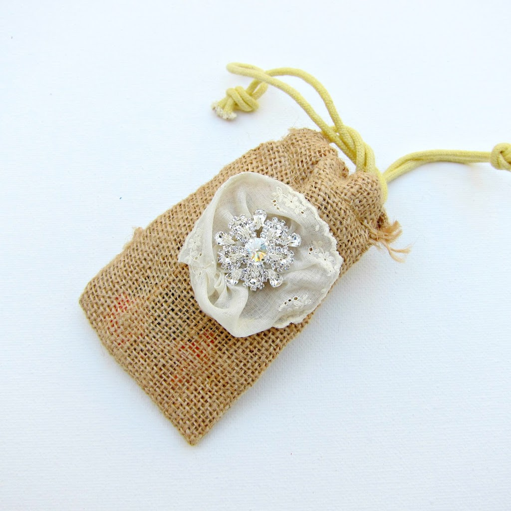 Diy Burlap Sack: DIY Burlap And Bling Favor Bags