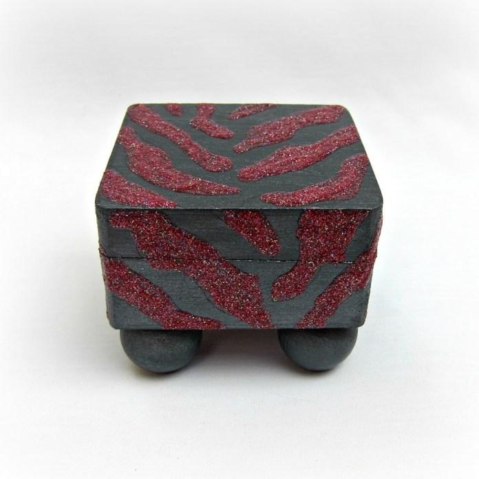 DIY-Glitter-Zebra-Box