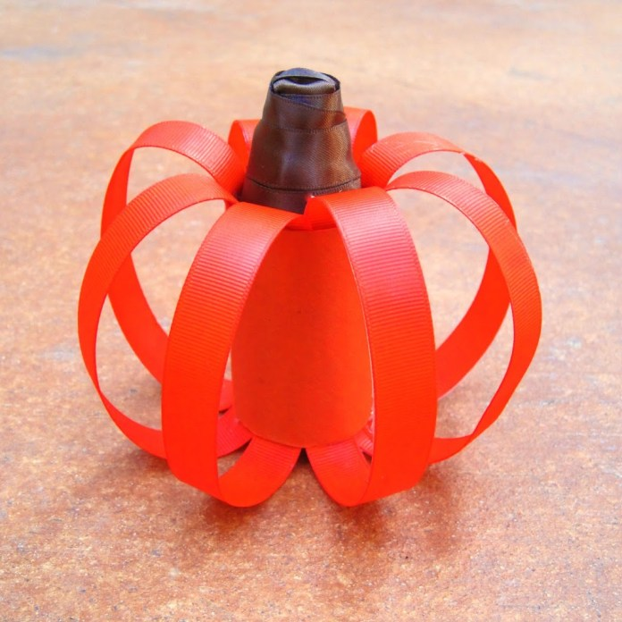 large-ribbon-pumpkin