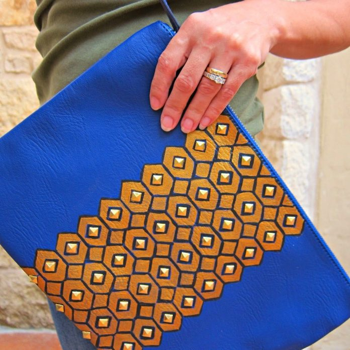 DIY-Studded-Clutch