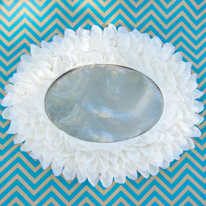 Fish-Scale-Mirror-DIY