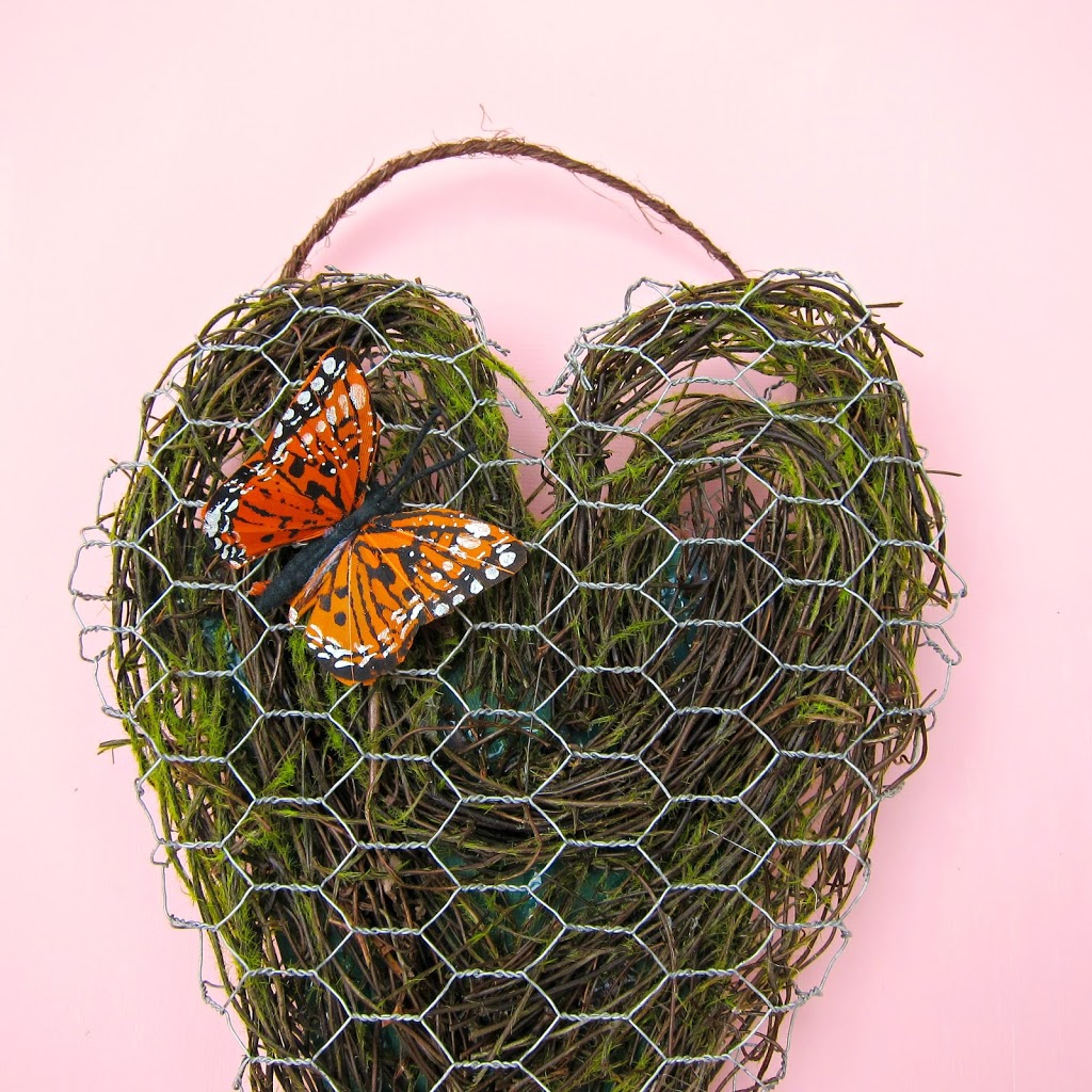 Best Here us my contribution to the world of wreath alternative door decor a spring inspired chicken wire heart This post first appeared at Crafts Unleashed