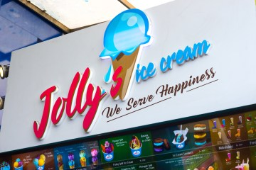 Jollys Ice Cream Sign in Colombo