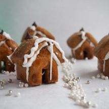 mini gingerbread house from More Than Just Carrots