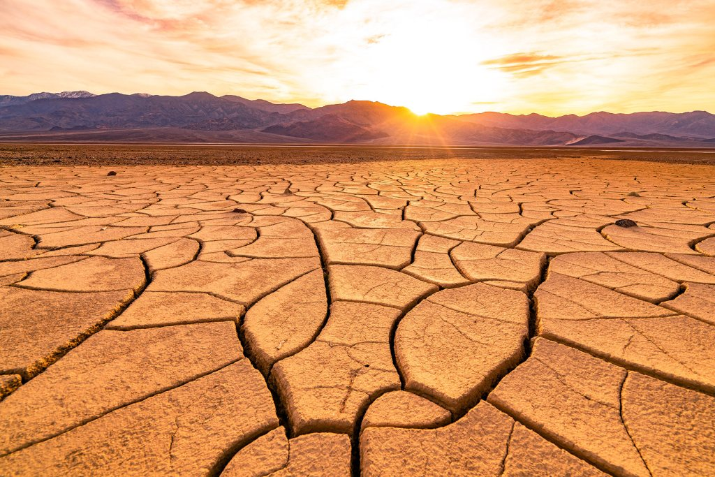 death valley national park mudcracks