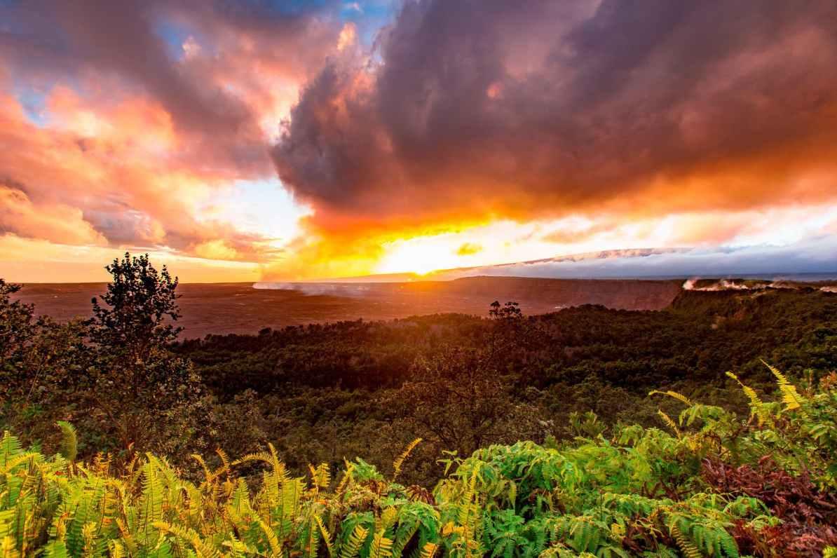 volcano house sunset hawai'i volcanoes national park