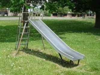 Playground_Slide_Metal