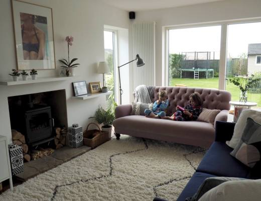 home tour bungalow - living space