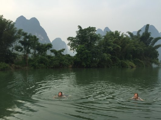 Mila & Penny wild swimming in the Yulong River