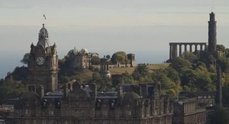 La colline de Calton Hill est truffée de monuments aux styles variés