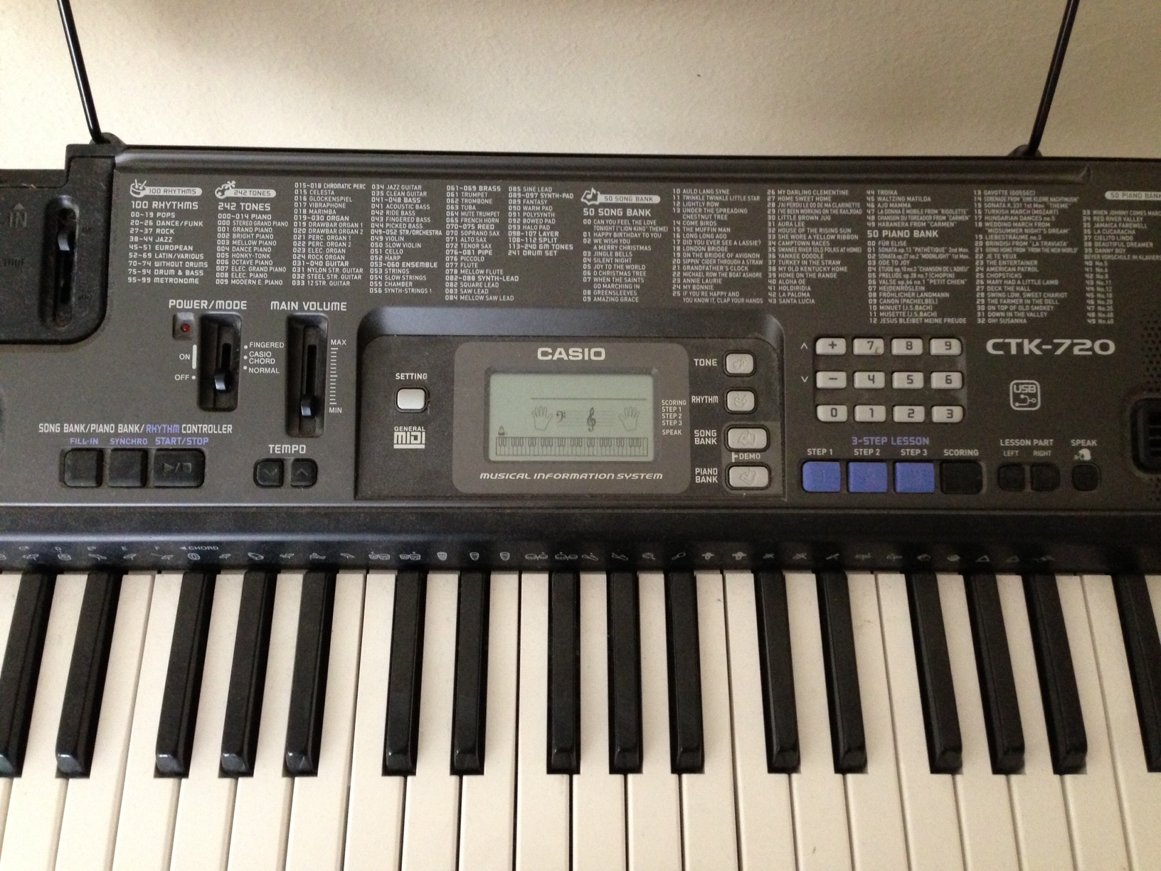 Casio electronic keyboard CTK720 61 Fullsize keys