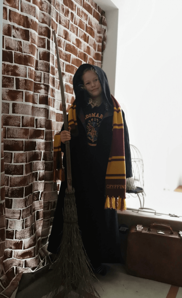 Harry Potter Platform 9 3/4 DIY