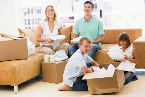 Family-Moving-into-their-new-Apartment-for-Rent