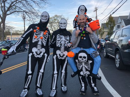 March of the Goblins, Halloween, Center Moriches: skeleton family