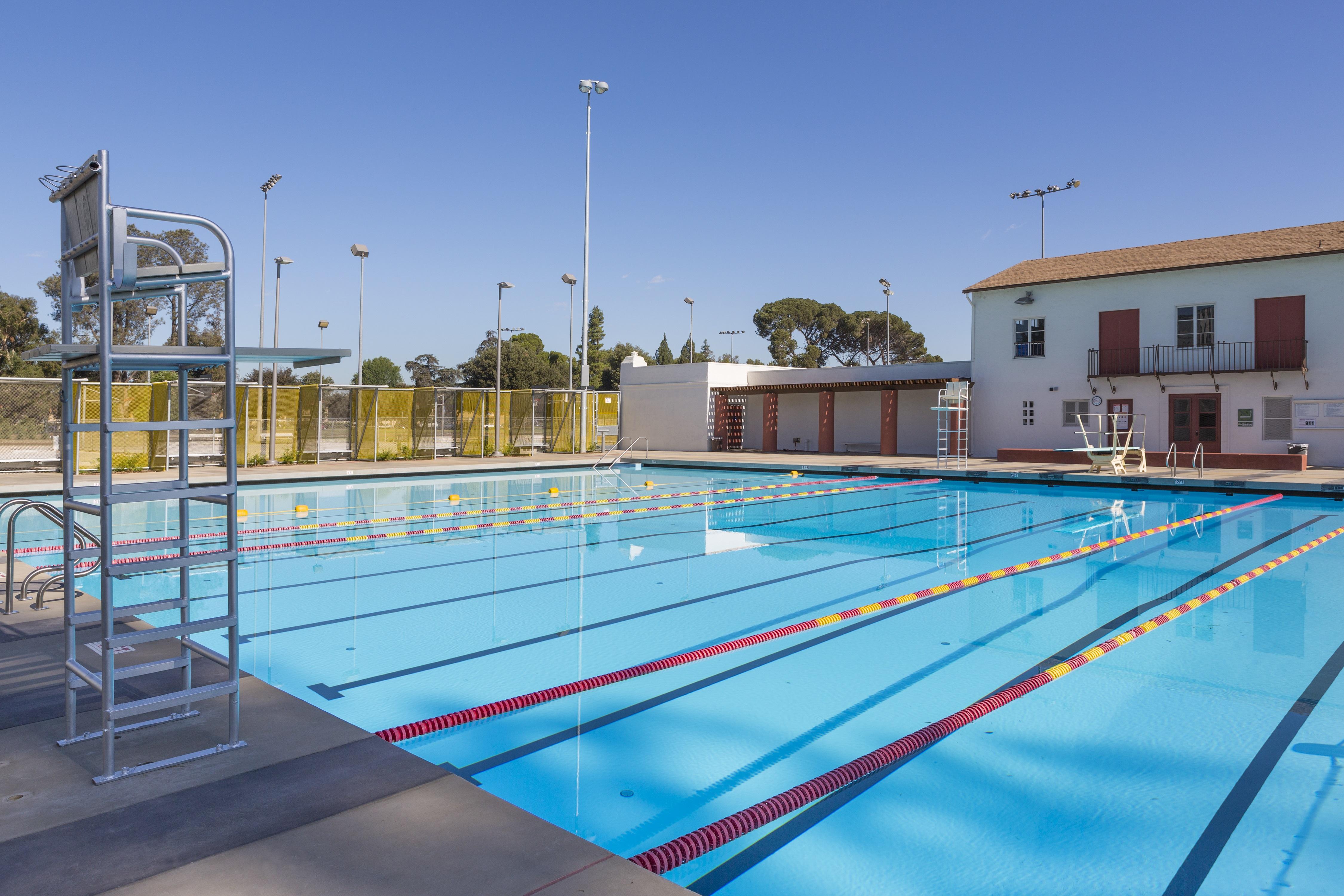 Reseda Park Pool & Bathhouse