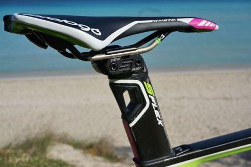 シートポストの「S-Flex」構造の廃止  【2018年モデル】MERIDA新型エアロロードバイク『リアクト』が明かされる。