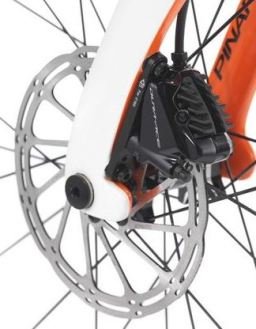 【2018年モデル】ピナレロ『DOGMA K10』。F10の技術を色濃く受け継ぐエンデュランスバイク。 ディスクブレーキ