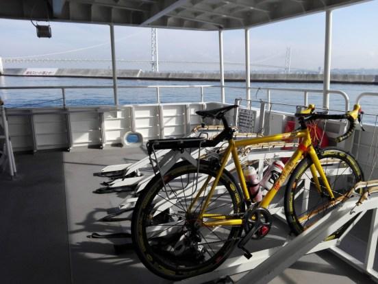 淡路島で勇者になる!ロードバイクでアワイチを100%楽しむ方法。 サイクリング グルメ レンタサイクル 自転車 フェリー 観光地 ジェノバ フェリー